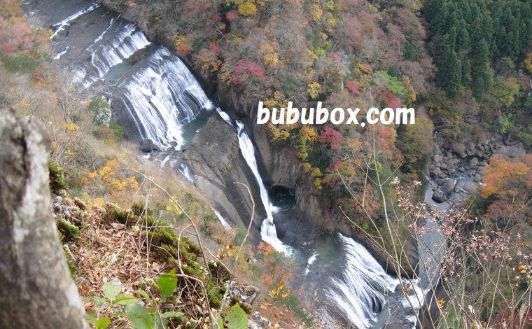 上から見た袋田の滝